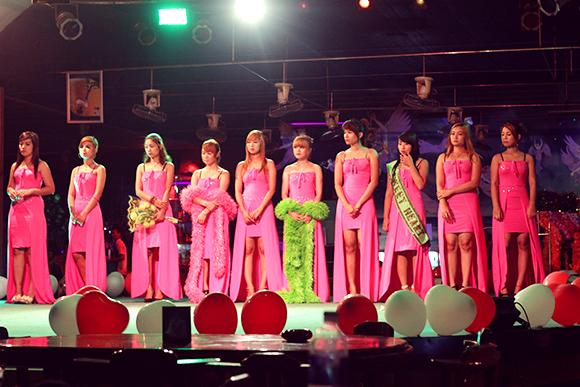ビアガーデンのファッションショー2